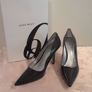 New in Box Nine West Size 6 Black High Heels